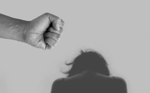 دلایل افزایش همسرآزاری در سالهای اخیر از نگاه روانشناس، جامعهشناس، وکیل و فعال حقوق زنان چیست؟