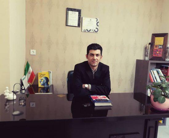 دکتر محمد فولادوند
